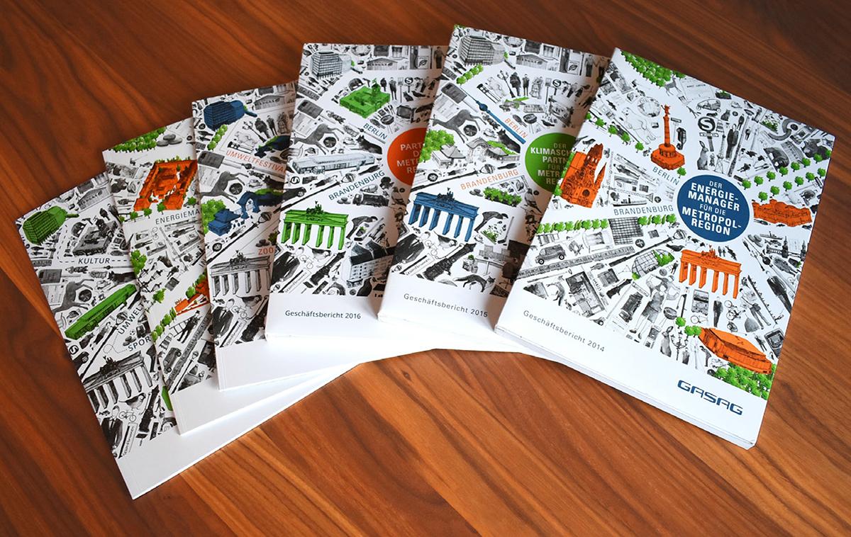 Geschäftsberichte der GASAG mit innenliegenden Magazinen: Alle Cover ergeben eine Serie